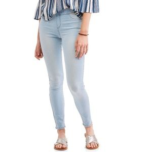 Denim - No Boundaries Pull On Jeggings